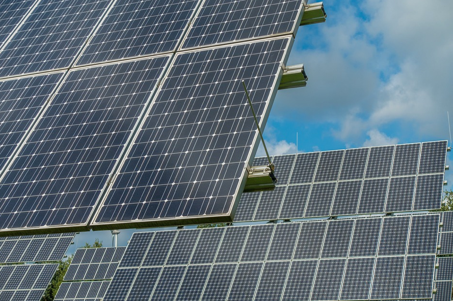New legislation would allow more government agencies to utilize solar