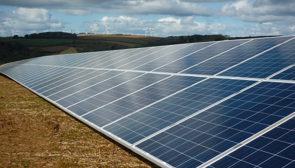 Google plans to use solar farms to power two new data centers