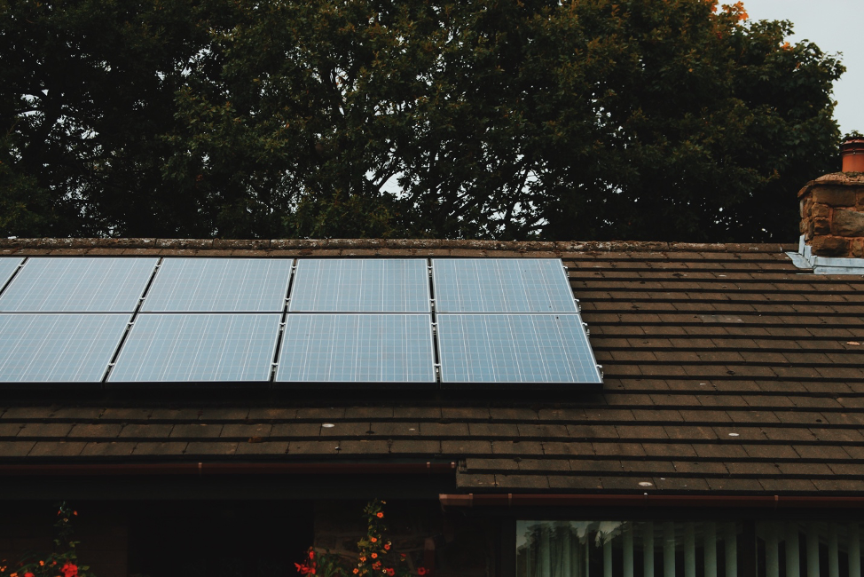 Bring energy certainty and savings into your home or business with solar battery storage