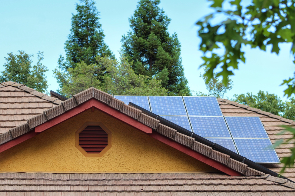 Prepare for wildfire season by installing solar battery storage